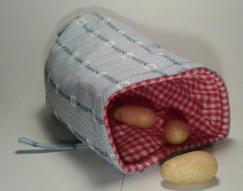 Kartoffelwärmer / Gschwellti-Beutel mit Band Edelweiss hellblau
