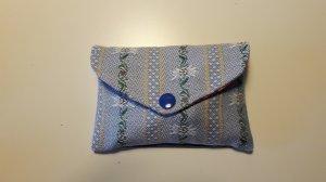 Jassen mit Stil - praktisches Jass-Set Edelweiss hellblau